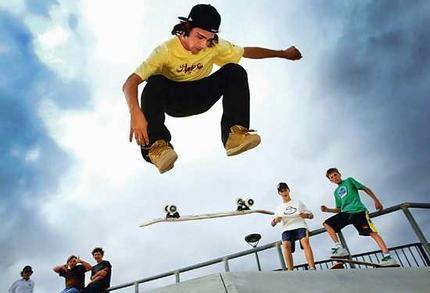 Skaters_wideweb__430x293